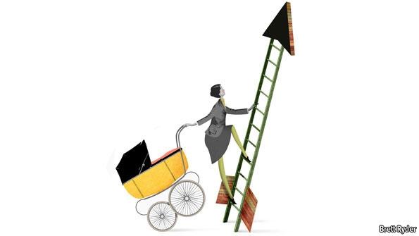 Nehéz a kisgyermekes nőknek a vállalati ranglétra csúcsára kapaszkodni